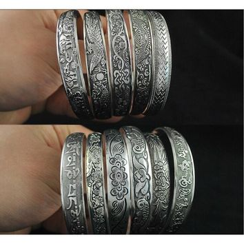 Free Shipping - Antalya Bangle, Antique Silver-plate Carve Pattern