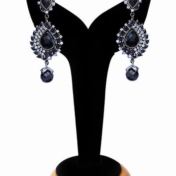 Gorgeous Fashion Earrings for Girls in Black Beads and Stones