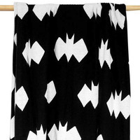 REVERSIBLE GEO BAT BLANKET