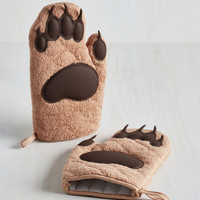 Quirky Cub on By Oven Mitts by Fred from ModCloth
