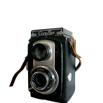 Vintage Camera Ciro-Flex Twin Lens Reflex 1940s Camera with 85mm f/3.5 Alphax Lens by Wollensak - Leather Strap Included