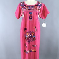 Vintage 1970s Oaxacan Mexican Embroidered Caftan Dress / Pink Floral Bluebirds