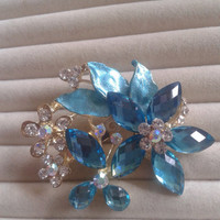 blue  crystal flower rhinestone goldtone  brooch  pin