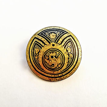 Vintage Spanish Damascene Style Round Domed Brooch, Geometric Black and Gold Pin, Fabulous Detail in Gold and Black