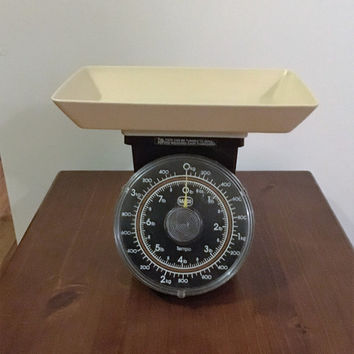 Vintage Retro 1970s Beige and Brown SABCO Kitchen Scales / Plastic Tempo Kitchen Scales / Australian Made