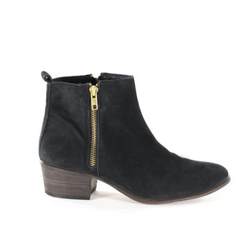 Black Leather Gold Zipper Ankle Boots from FiregypsyVintage