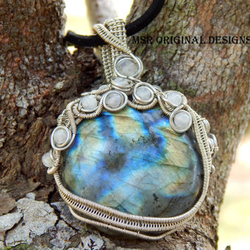 Wire wrapped labradorite pendant with rainbow moonstone - unique pendant - labradorite gemstone - moonstone pendant - bohemian pendant