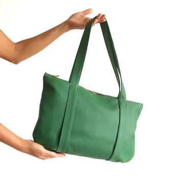 Forest Green Vegan Bag / Green Shoulder Bag / Cruelty-Free Handbags / Fall Winter green bag / Holiday gift for her / Green vegan leather bag