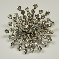 Vintage Large Snowflake Rhinestone Brooch Pin Excellent Condition (#191) #vintage #vintagejewelry