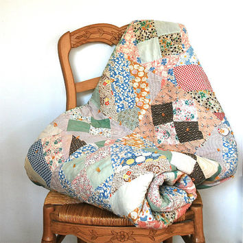 Vintage Quilt Handpieced Small Childs Bed Cover 1940s Colorful Cotton Floral Home Decor Cottage Chic