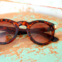 Retro HIPSTER SUNGLASSES....brown. retro accessories. groovy. boho. rad. eye wear. women. ladies. killer.