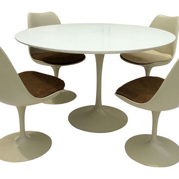Knoll Saarinen Tulip Table w/ 4 Chairs