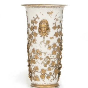 A MEISSEN HAUSMALEREI ROYAL FLARED BEAKER VASE , CIRCA 1715, THE AUGSBURG DECORATION ALMOST CONTEMPORARY, DREHER'S MARK .. TO FOOTRIM