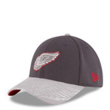 ONETOW NHL New Era Detroit Red Wings Chrome Tech 39Thirty Flex Hat