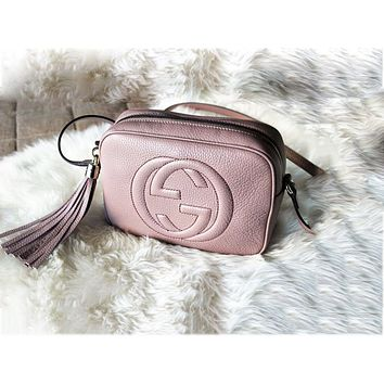 Gucci sells lady's double G single shoulder fringed bag Pink