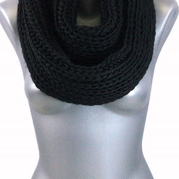 Thick Knit Infinity Scarf - Black