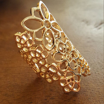 Dainty jewelry Gold plated statement ring Lace style open resizable