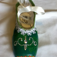 The Emerald shoe .... Decorated Pointe Shoe