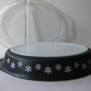Vintage Pyrex Black and White Snowflake Divided Casserole with Lid