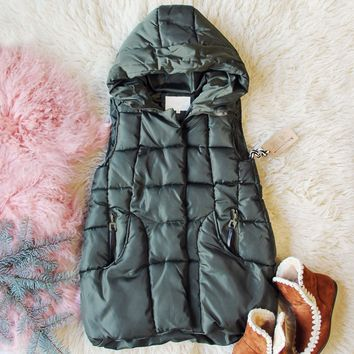 Snowy Seattle Vest in Olive