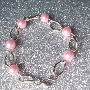 Everyday Princess - Chain Link and Pastel Pink Glass Pearl Bracelet