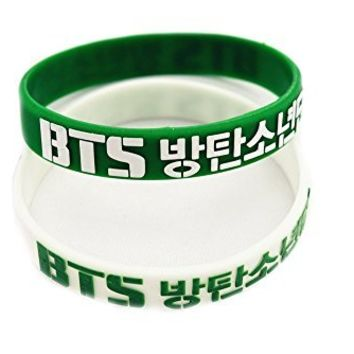 Bts Bangtan Boys 2 Pieces 3D Silicon Wristband Bracelet Accessoires +1 Piece Of Bts Poster Lomo Card