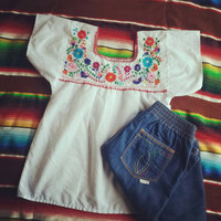 Mexican embroidered top/ vintage hippie embroidery peasant style blouse/ bright flower embroidery shirt size XXS-XS