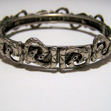 Snake Hinged Bangle Bracelet, Interlocking Snakes, Antiqued Silver Tone, Locking Mechanism, Vintage Jewelry 118