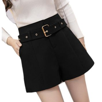 Winter Shorts For Women 2018 Wool Boots Shorts 3 Colors Loose Short Pants With Pockets Female Casual Wear
