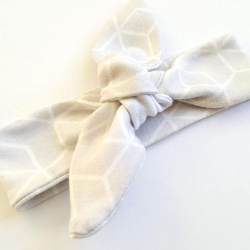 Baby Knotted Headbands, top knot headband, baby girl bow, trendy baby, baby shower gift, new baby hairband, baby turban wrap, boho, yoga