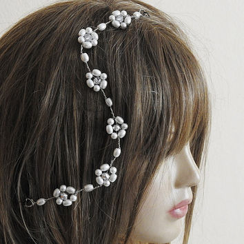 Tiara Bridal Headpiece, Wedding Tiara, wire tiara, Bridal Crown, wedding accessory, rhinestone and white pearl, flower, handmade, hair