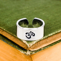 Om - Yoga - Mantra - Adjustable Aluminum Ring