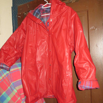 Vintage  womens vinyl  hooded red  raincoat jacket   w plaid lining sz  large