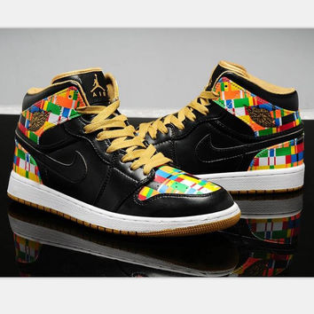 Nike  Air Jordan Retro 1 High Tops Contrast Sports shoes Black-yellow(black hook) H-CSXY