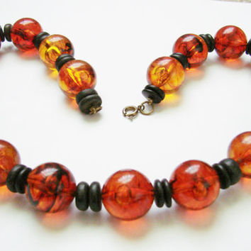Vintage Amber Lucite Bead Necklace / Wood Beads / 1960s 1970s / Jewelry / Jewellery