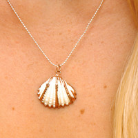 Classic Shell Aloha Necklace in Silver