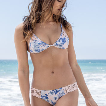 Frankie's Bikinis - Tanner Top | Hawaiian Blush