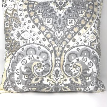 "DaDa Bedding Pair of Bohemian Pale Daffodil Floral Throw Pillow Covers, 18"" x 18"", 2-PCS (C15205-7)"