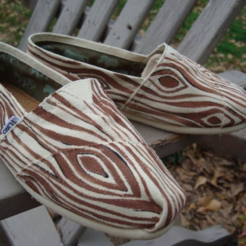 wood grainhand painted on TOMS shoesmade to by ArtfulSoles on Etsy