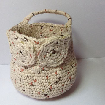 Owl Basket for doorknob, cotton yarn in cream with flecks of rust and brown for nursery or bathroom storage with handle to hang