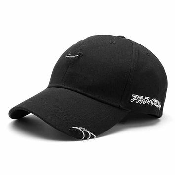 Men Women Hat Ring Hip Hop Curved Strapback Baseball Snapback Cap High Quality Unisex Adjustable Black White Hats