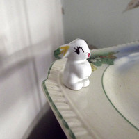 Wade figurine minikin bunny rabbit small by DollyTopsyVintage