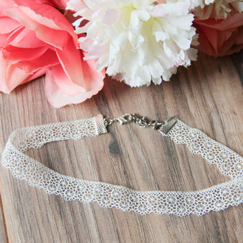 Delicate Vintage Off White Lace Choker