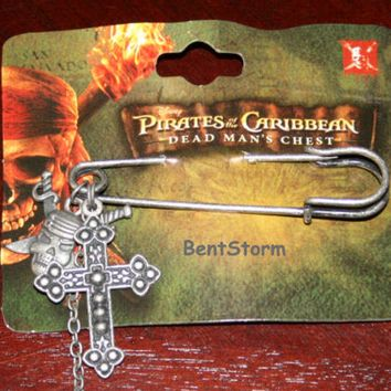 Licensed cool Disney Pirates of the Caribbean Dead Man's Chest Skull Cross Sword Lapel Pin NEW