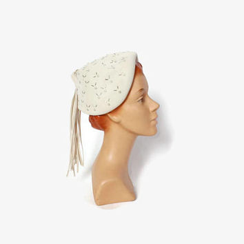 Vintage 40s Beaded Ivory HAT / 1940s - 50s Silver & Pearl Beaded Winter White Felt Tassel Hat