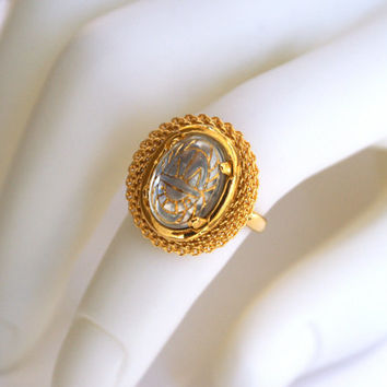 Clear Glass Adjustable Ring with Gold Etched Scarab Design Vintage Oval Cabochon and Gold Tone Mesh Ring