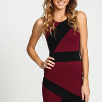 BURGUNDY HIGH CONTRAST BANDAGE WRAP DRESS