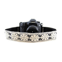 CASLR20-LCWT White Lace 2In Camera Strap Capturing Couture