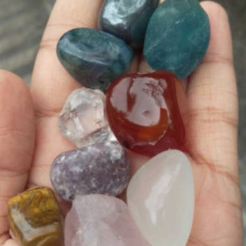 Raw and tumbled crystals