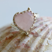 Heart shaped sterling silver ring with rose quartz. Pink Gemstone Rose Quartz Love Ring.Delicate Ring